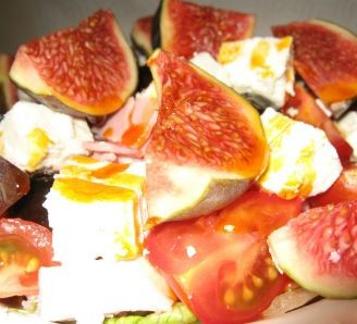 Fig and ham salad with chili