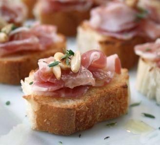 Bread crostini and pancetta