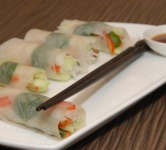 Vietnamese fresh paper rolls